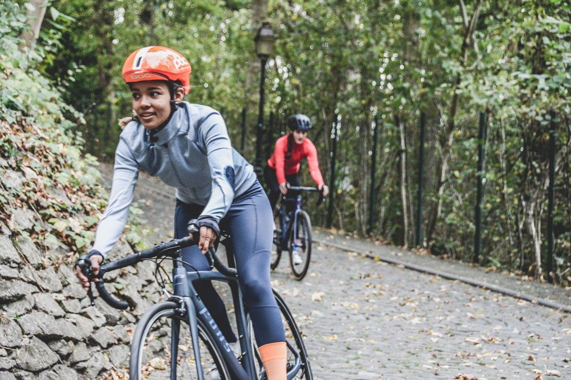 Cyclistes en balade non loin du Green des Impressionnistes, dans le parc du Vexin