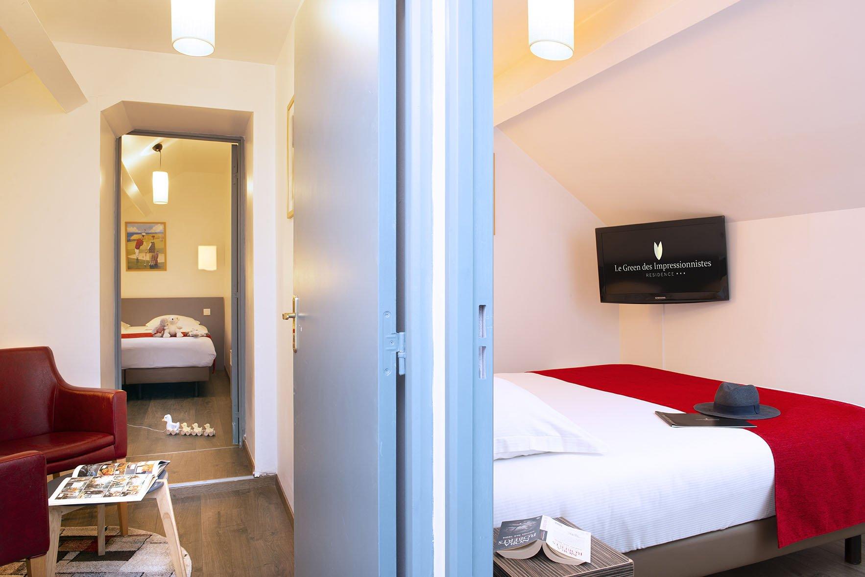 Chambres et coin salon d'un appartement familial du Green des Impressionnistes
