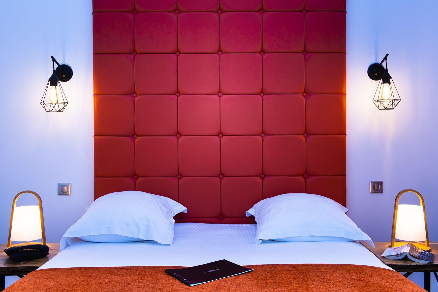 Tête de lit d'une chambre au Green des Impressionnistes