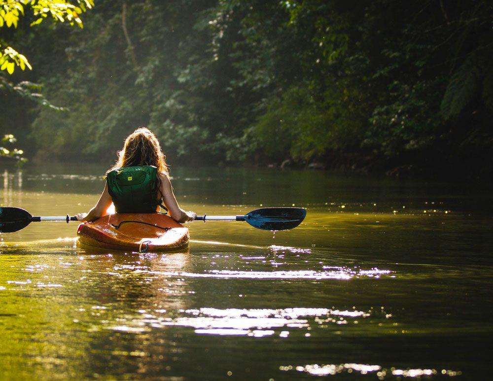 Canoe kayak on the Oise river